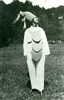 Sophie Taeuber-Arp in Ascona, 1925, Courtesy Stiftung Arp e.V., Berlin/Rolandswerth